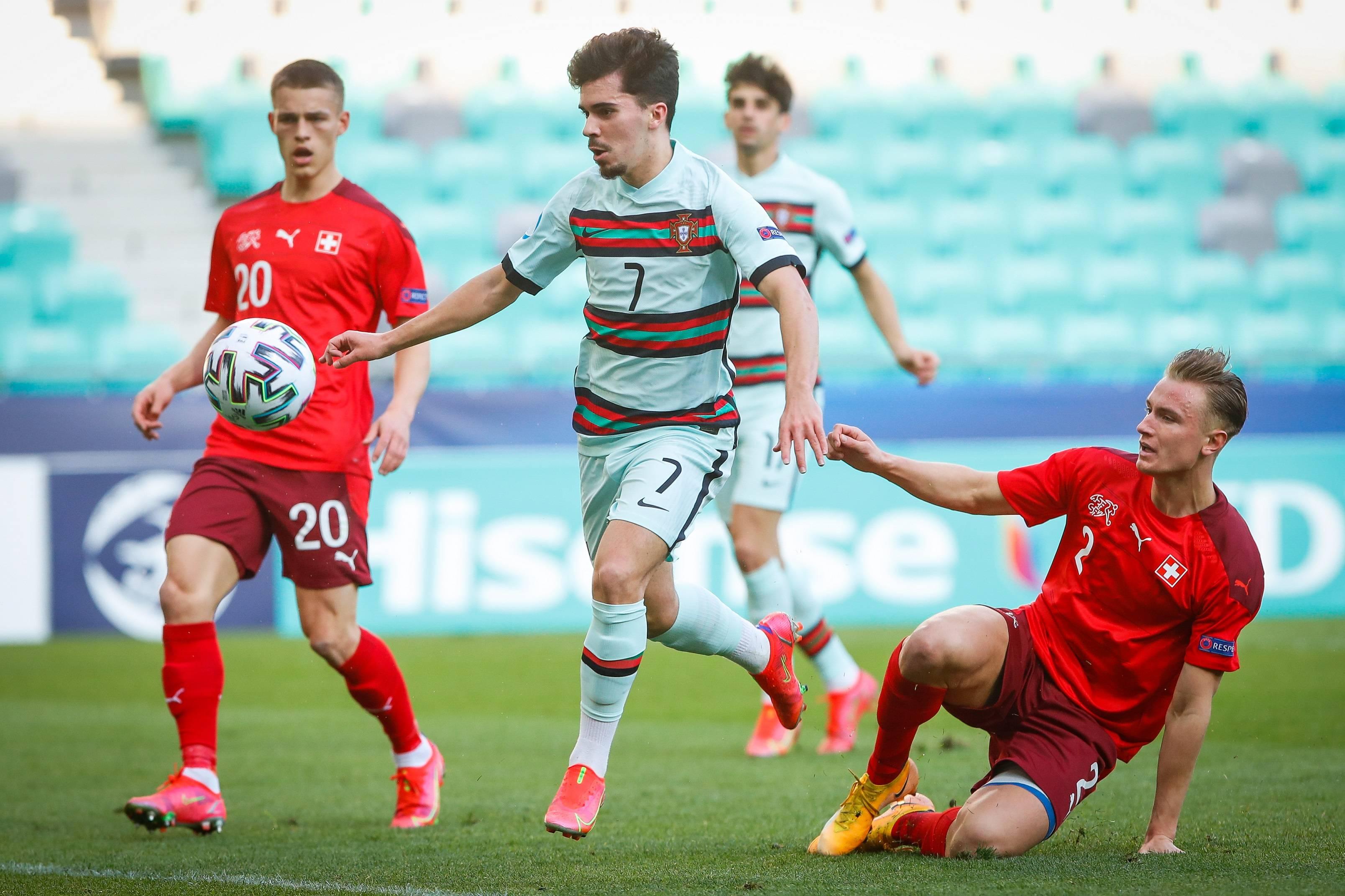 U21欧洲杯直播:维蒂尼亚助葡萄牙小组第一